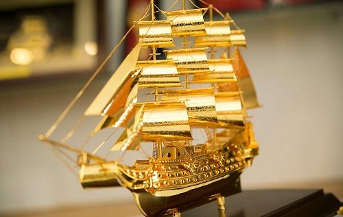 thuyền buồm tặng khai trương